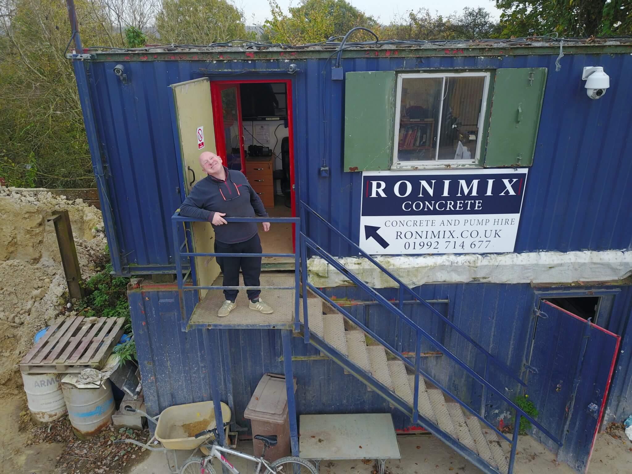 Ronimix concrete Paul Bradley smiling 2017
